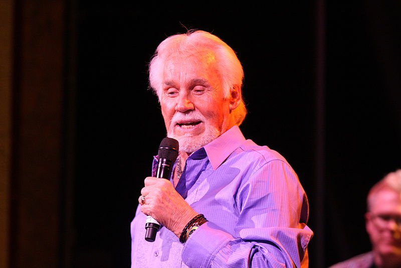 Kenny rogers health issues escalate friends fear the worst image credit wikimiedia commons m4hsunfo